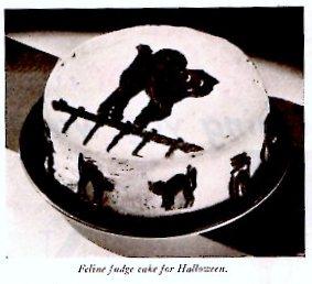 Vintage Halloween Feline Fudge Cake